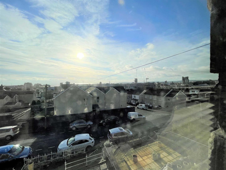 Roseland Terrace, St Thomas, Swansea, SA1 8BJ